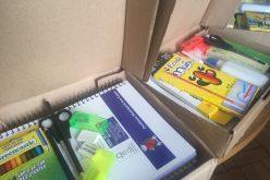 Prefeitura oferece kit escolar gratuito às escolas do município.