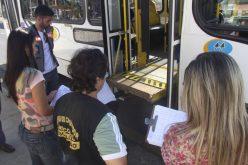 Procon Municipal realiza ação de orientação junto aos veículos de transporte coletivo