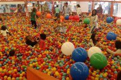 """Crianças do SERPAF terão manhã divertida no """"Mar de Bolinhas"""" no Shopping Sete Lagoas"""