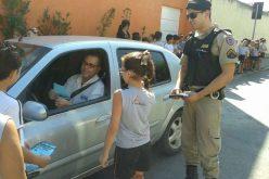 Semana Nacional do Trânsito: 25 º Batalhão da PM e Instituto Alice Maciel realizam blitz educativa