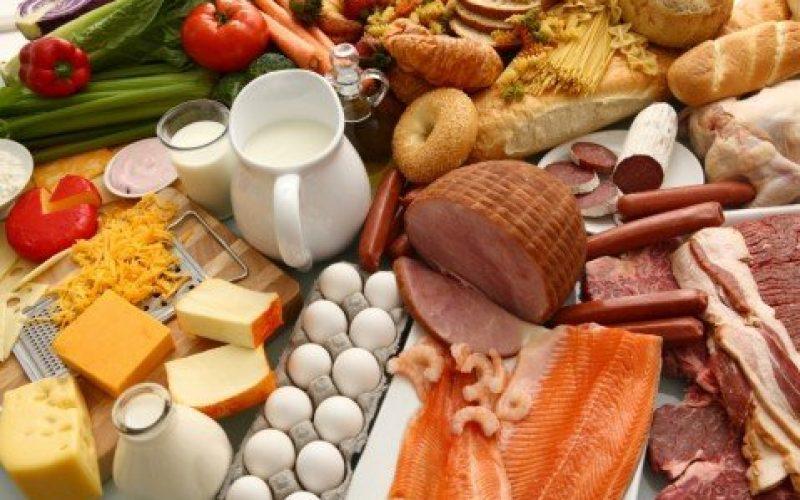 Estudo indica que o alto consumo de gorduras saturadas pode aumentar o risco para as doenças do coração
