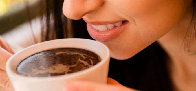 10 alimentos que mais mancham os dentes