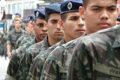 Jovens  que completam 18 anos em 2017 devem se apresentar à Junta de Serviço Militar para se inscrever