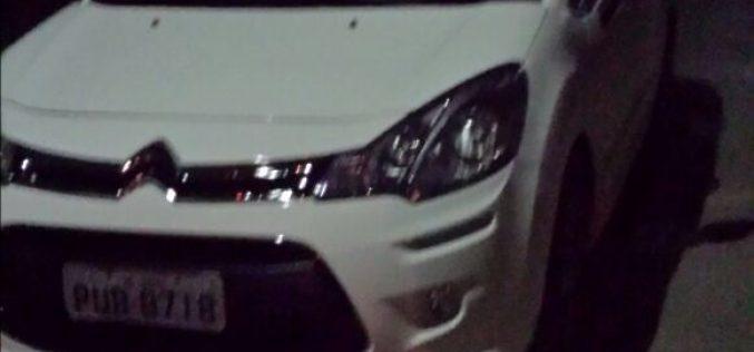 Dois veículos roubados são recuperados pela Polícia Militar