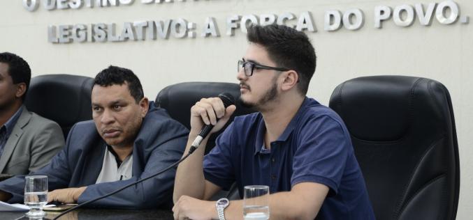 Durante sessão na Câmara, taxistas e motoristas  Uber debateram a legalidade do serviço em Sete Lagoas