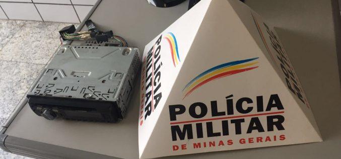 Polícia Militar prende autores de furto a veículo
