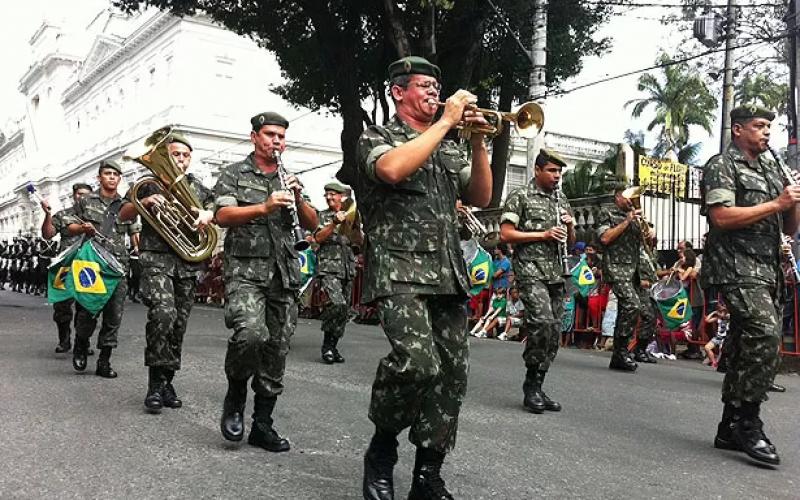 Desfile cívico marca a feriado de 7 de Setembro em Sete Lagoas