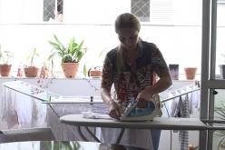 Documentário retrata vida da mulher brasileira e sua jornada exaustiva