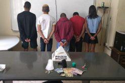 Duas pessoas são presas por tráfico de drogas e corrupção de menores