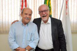 Prefeito Leone Maciel recebe visita do Bispo Dom Aloísio Vitral