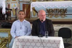 Dom Aluísio se prepara para missa de posse da Diocese e concede coletiva á imprensa local