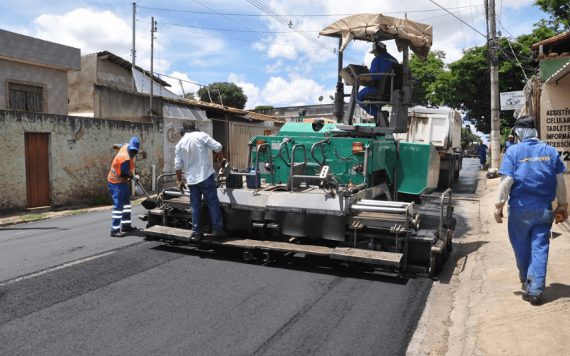 Prefeitura inicia obra de recuperação da rua Professor Abeylard