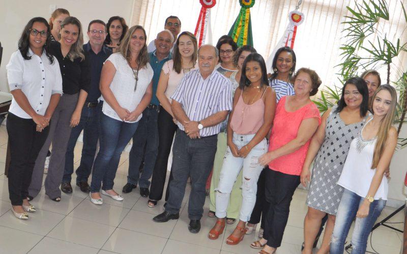Prefeito Leone Maciel empossa membros do Conselho de Assistência Social