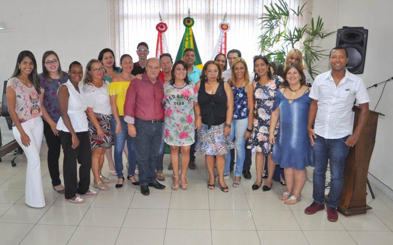 Prefeito Leone Maciel empossa membros do Conselho do Fundeb