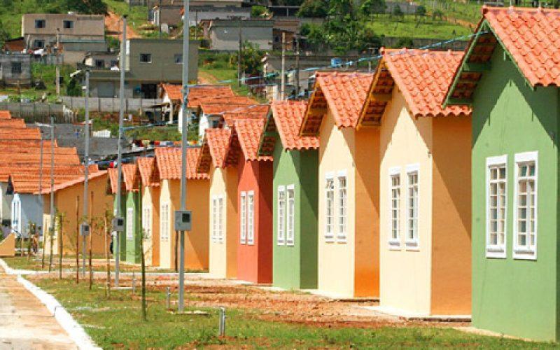 Prefeito Leone Maciel anuncia a construção de 500 casas populares