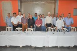 Encontro da AMAV reúne prefeitos, deputado e secretário de Estado em Santana de Pirapama