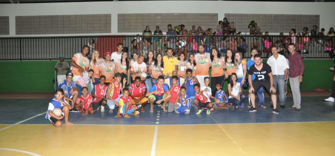 Prefeitura entrega revitalização do Ginásio Vinício Dias Avelar