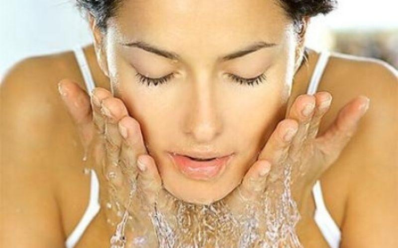 Dicas de como preparar a pele para receber a maquiagem