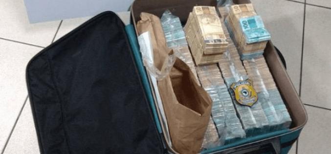 Dinheiro na mala: Mais de R$1 milhão de reais é encontrado em Sete Lagoas