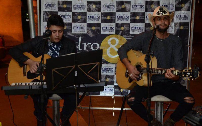 Pedro & Santiago embalaram o dia dos namorados Na Ki- Doçura!