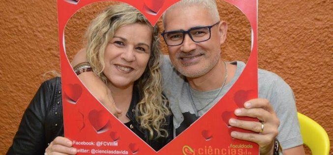 Faculdade Ciências da Vida realiza ação especial do Dia dos Namorados
