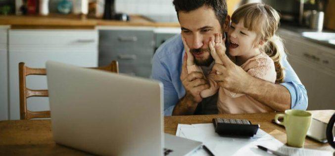 Trabalhar em casa proporciona aos pais mais tempo em família
