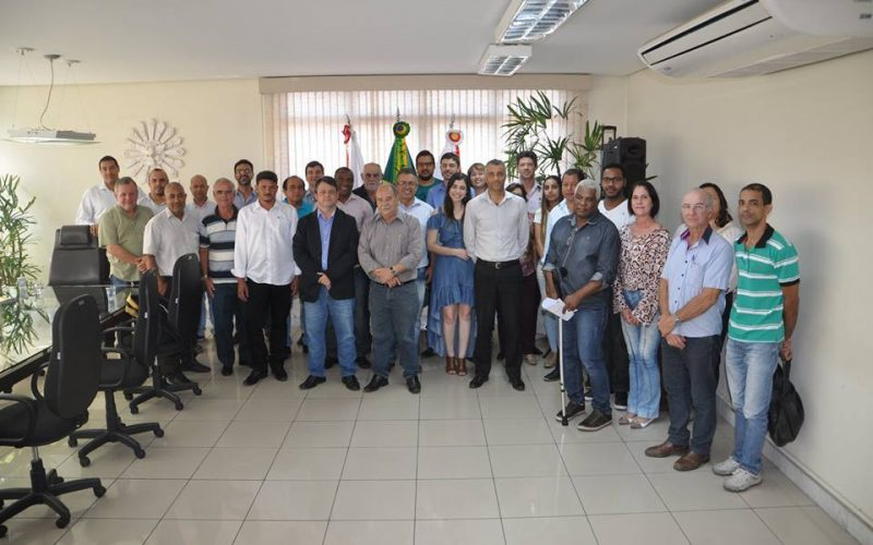Prefeito Leone Maciel empossa Conselho Municipal de Transporte e Trânsito