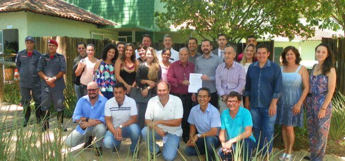Conselhos gestores das APAs Santa Helena e Paiol são empossados
