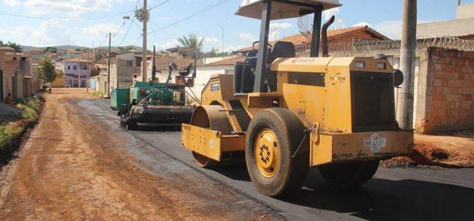 Prefeitura de Sete Lagoas está pavimentando ruas do bairro Verde Vale