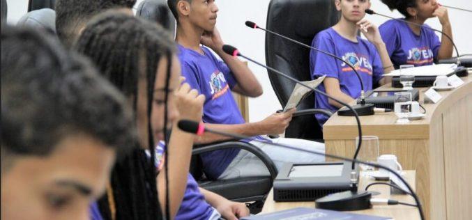 Parlamento Jovem de Sete Lagoas tem projeto transformado em lei