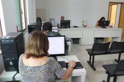 """""""Serviço essencial"""", diz usuária sobre internet popular da Câmara"""