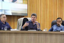 """Prefeito Duílio apresenta """"raio x"""" da Prefeitura e busca soluções durante sessão na Câmara"""