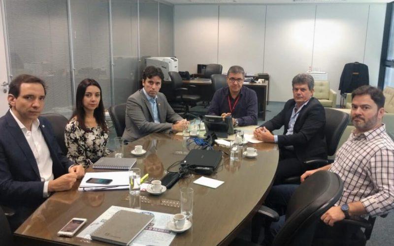 Hospital Regional é tema de reunião do prefeito Duílio com secretários do Governo de Minas