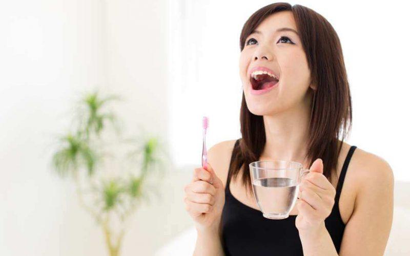 Conheça os benefícios da água para a saúde bucal