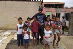 Projeto Batman leva alegria para as crianças em Caetanópolis