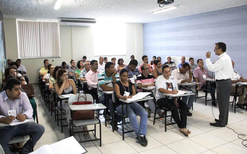 Escola do Legislativo promove ciclo de palestras na Câmara sobre políticas públicas e controle social