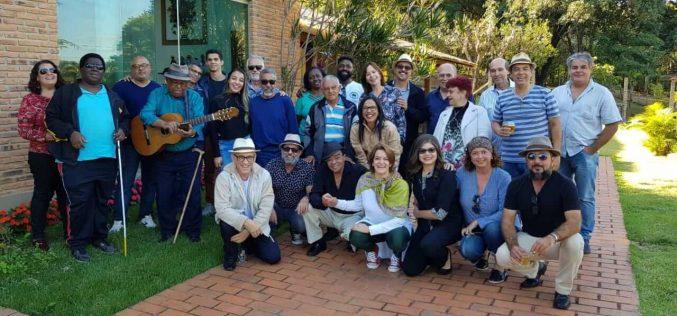 """Músicos se reúnem em show para angariar recursos para a criação da """"Casa dos artistas Renê Guimarães"""""""
