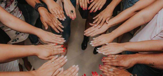 Alongamento de unhas: Cuidado que vai além da estética