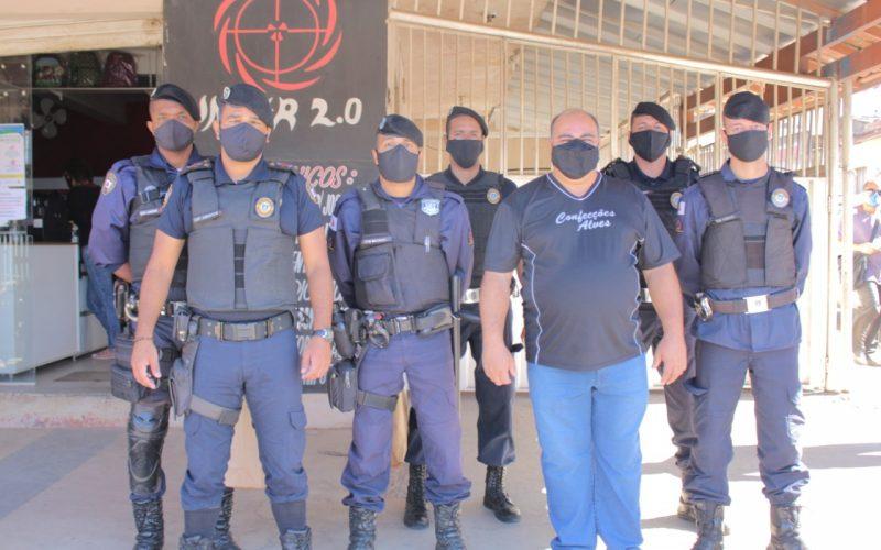 Guarda Municipal e CDL Sete Lagoas realizam blitz educativa na rua Santa Juliana
