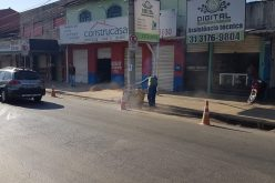 Prefeitura realiza implantação de meio fio e sarjeta para conter alagamentos na rua Santa Juliana