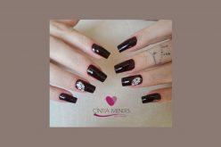 Cintia Mendes : Cuidado especial com as suas unhas