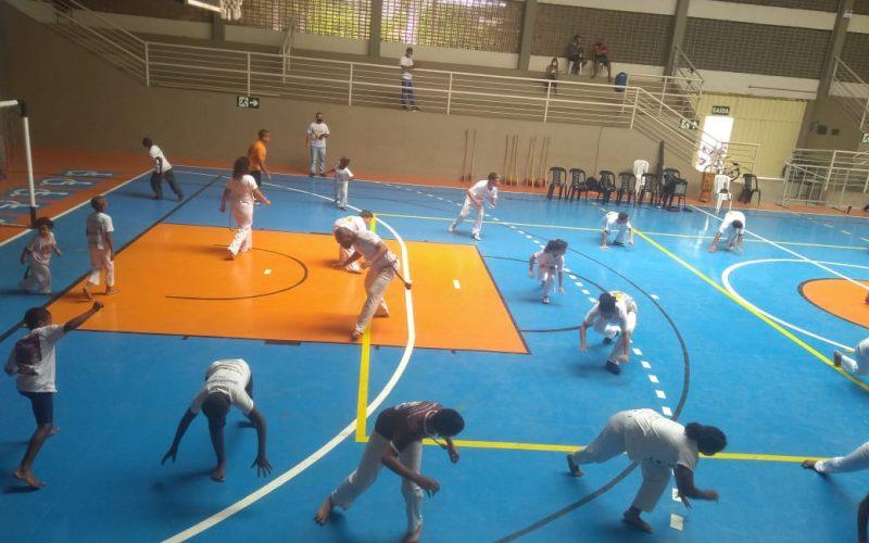Novo ginásio Dr. Márcio Paulino recebe encontro de capoeira