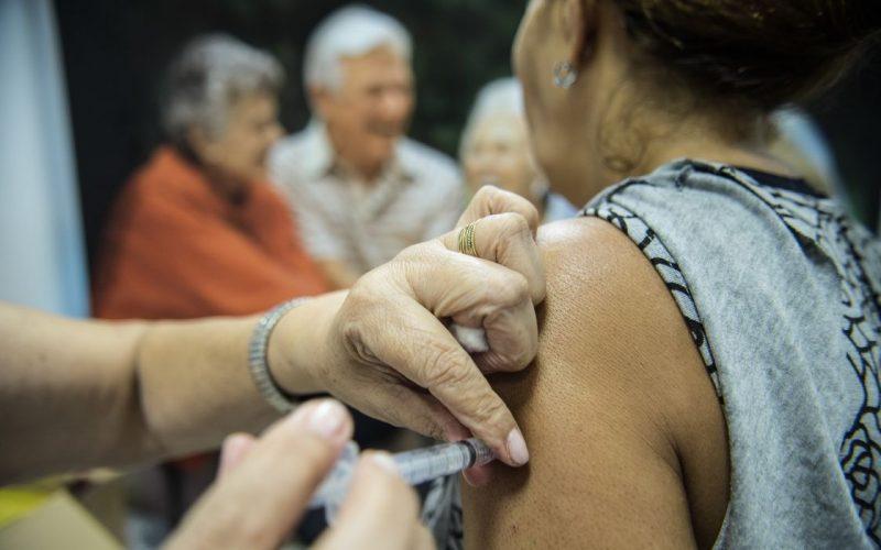 Ainda com baixa adesão, vacinação contra a gripe entra na 3ª fase em Sete Lagoas